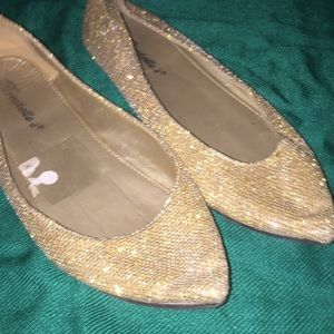 Shoes - Gold sparkle flats